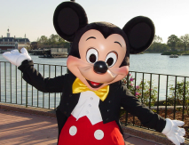 mickey-walk-disney-world[1]