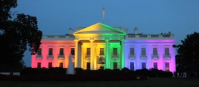 white-house-lit-up-like-rainbow-to-celebrate-marriage-equality-social1
